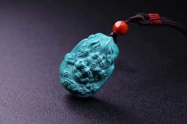 绿松石的颜色决定绿松石的价格