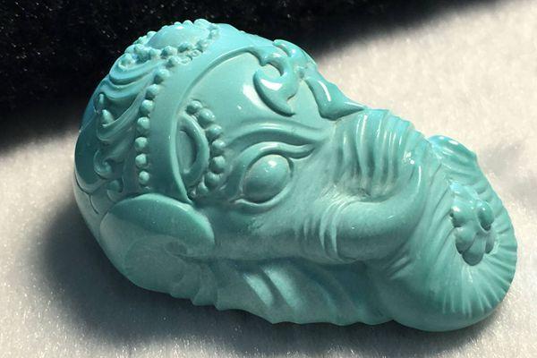 蓝色绿松石