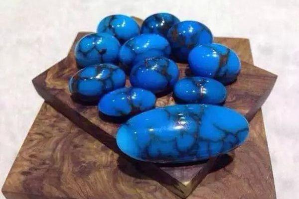 波斯绿松石