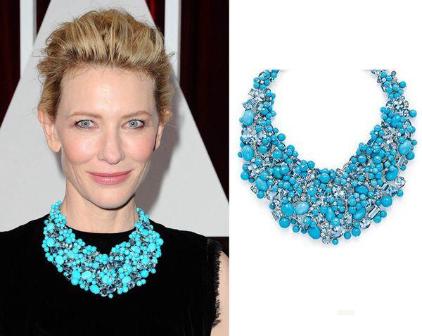 凯特-布兰切特(Cate Blanchett)在2015奥斯卡红毯上佩戴一条惊艳的绿松石