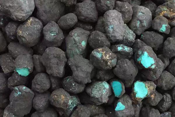 绿松石矿石